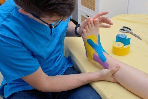 What Are Kinesio Tapes? What Is The Function Of Kinesio Tape Bandage?